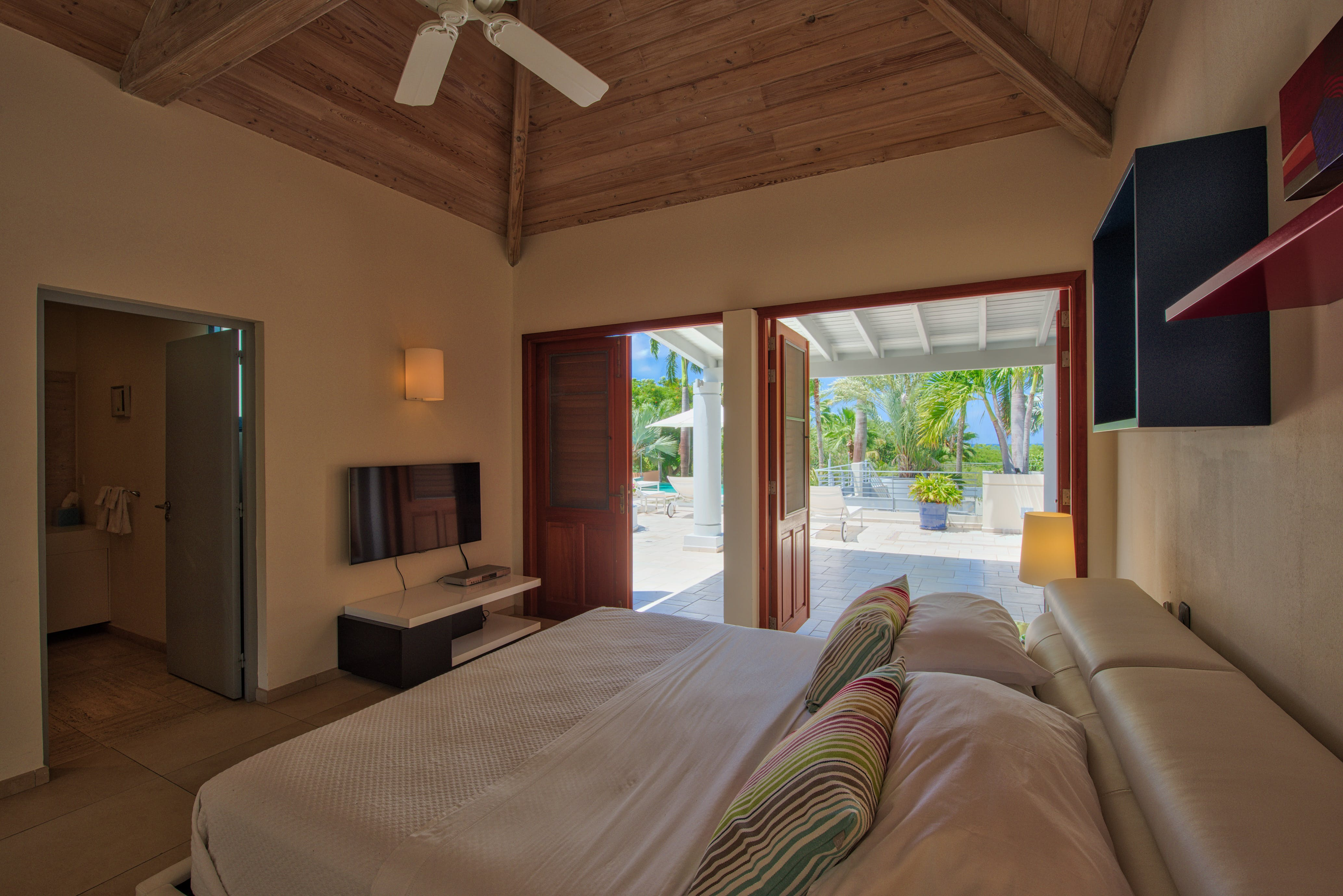 Villa Blue Palm