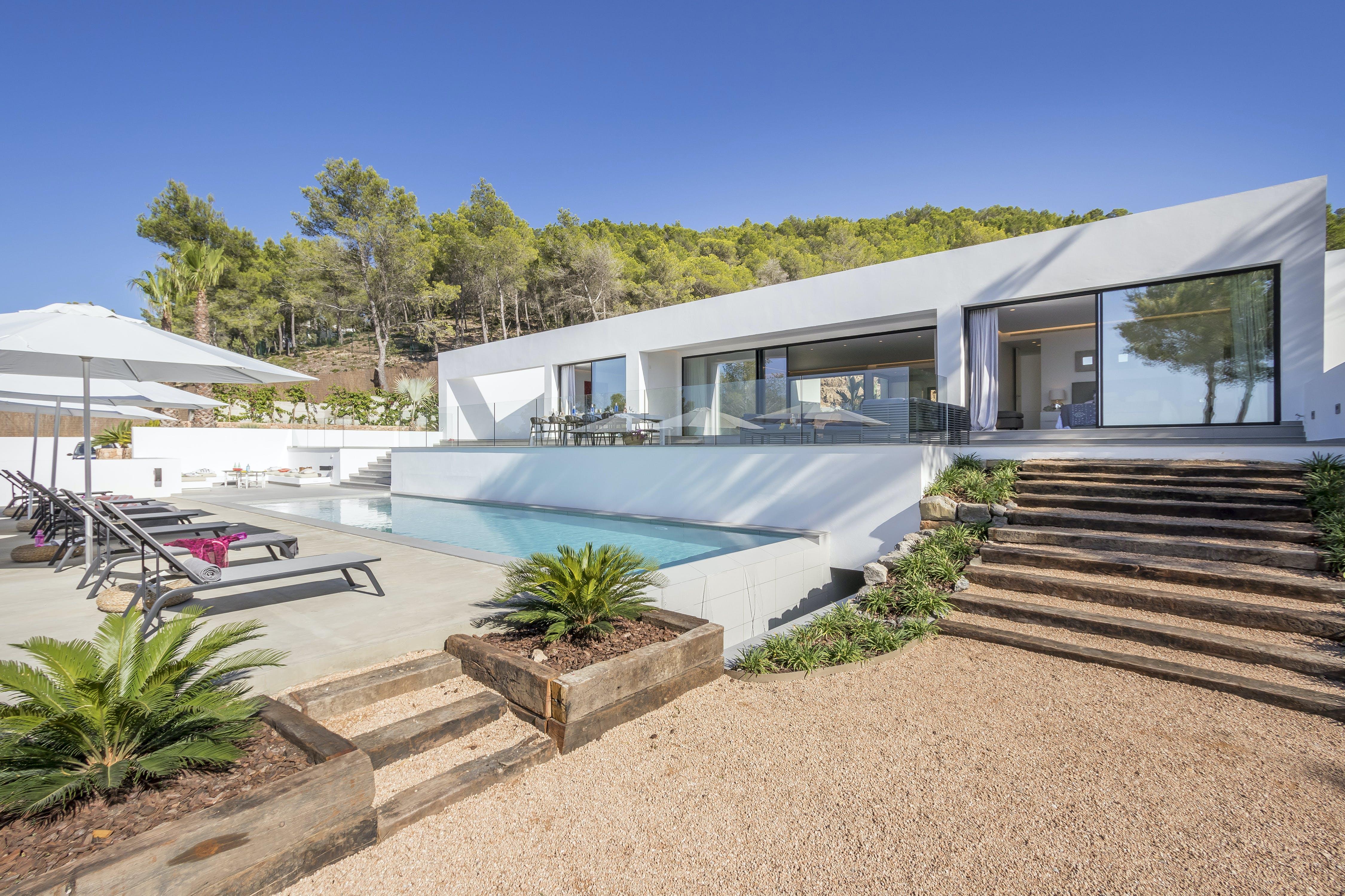 Villa Ayas