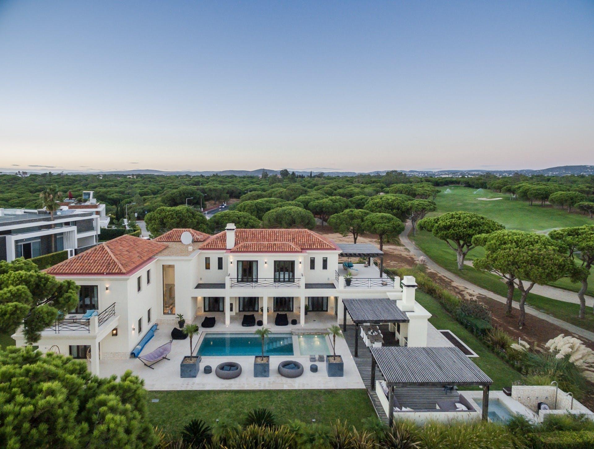 Villa Ladrao