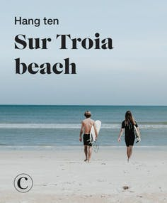 Hang ten sur Troia beach
