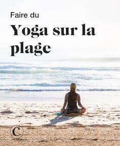 Faire du yoga sur la plage