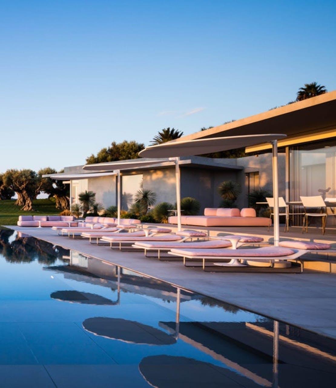 70's styled villa
