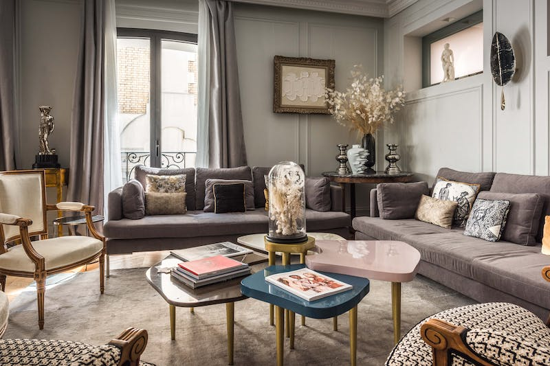 A luxury town house in paris
